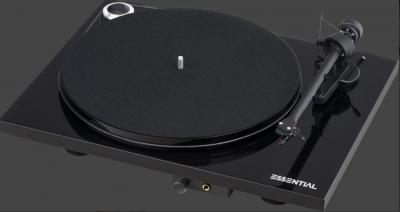 Pro-Ject Essential III HP PIANO + OM10